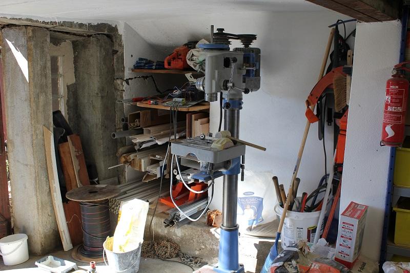 Atelier en sous sol :)  23_Atelier_Entree_gauche